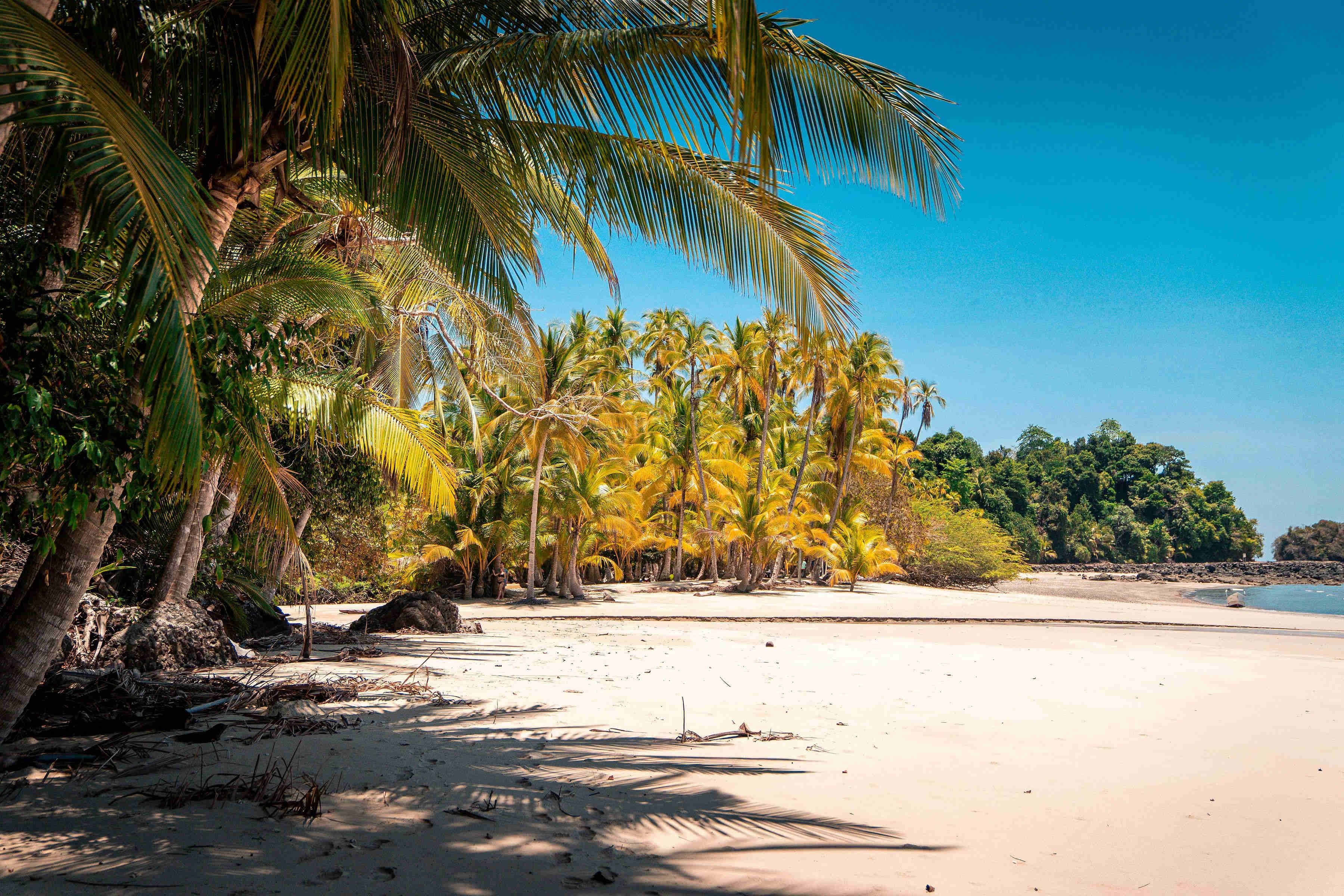 playa ranchería en isla coiba