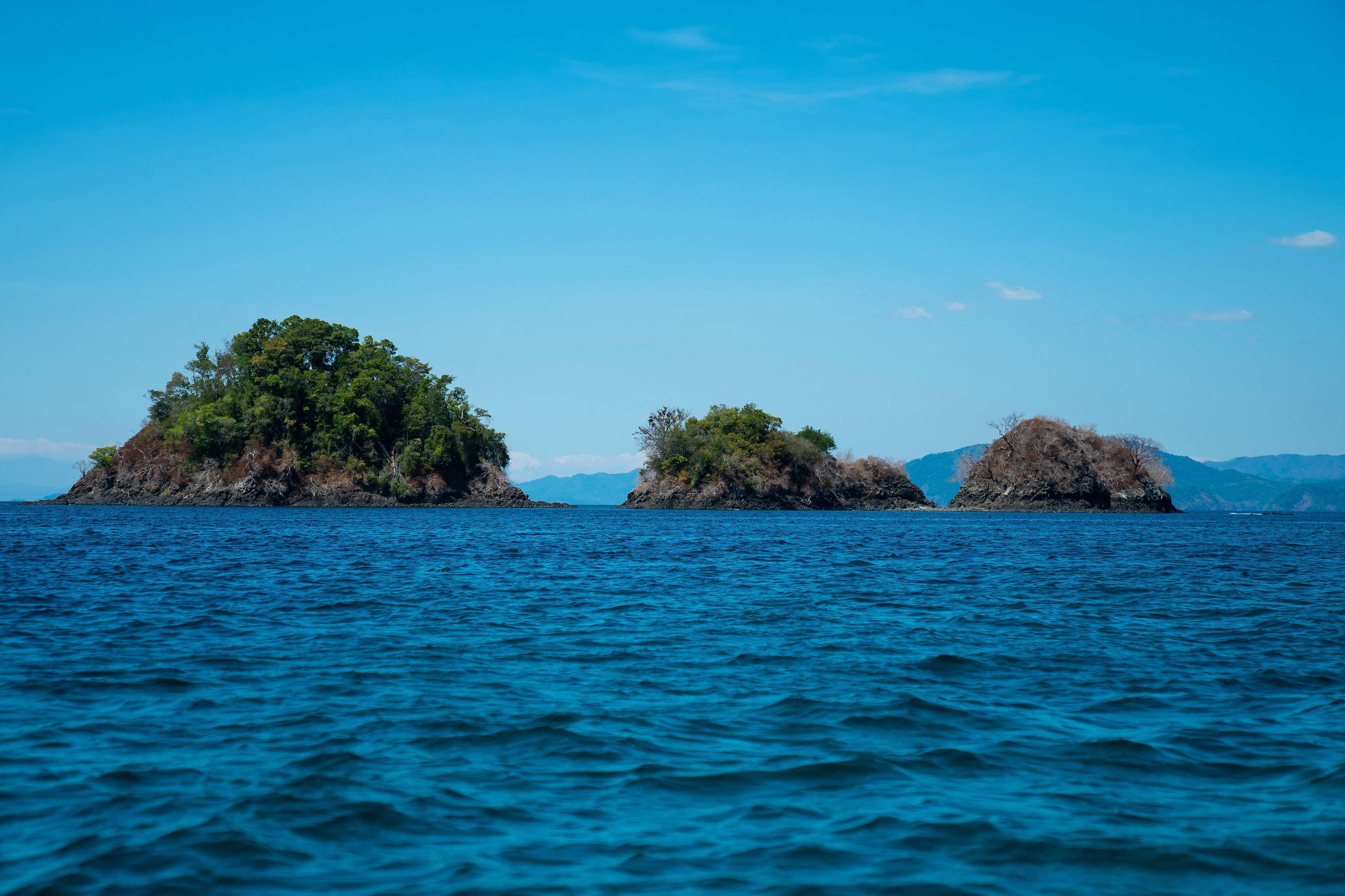 grupo de islas de camino a isla Coiba